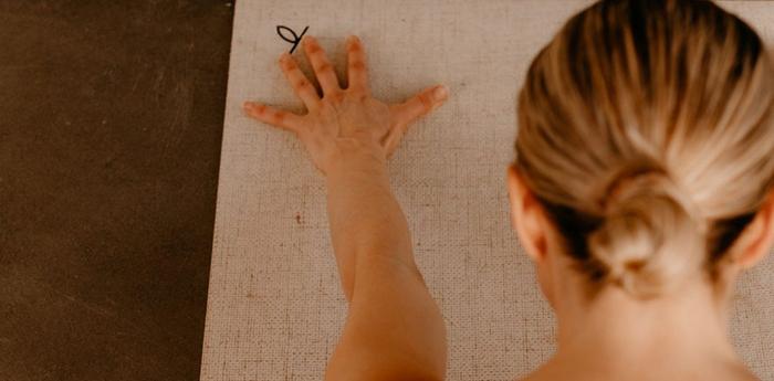 Dyrk yoga med SofieB i 100 dage